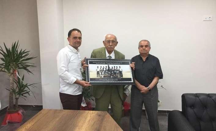 Eski Başkan Şireci'den Anagold 24Erzincanspor tesisine ziyaret