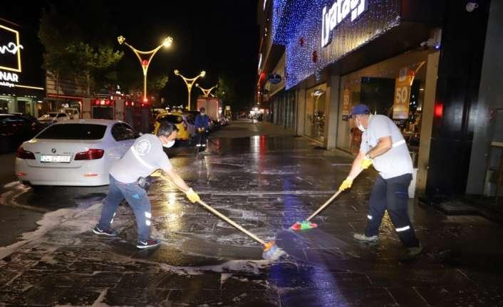 Erzincan'da korona virüs tedbirleri kapsamında dezenfeksiyon çalışmaları devam ediyor