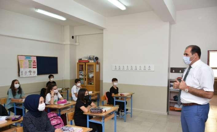 Milli Eğitim Müdürü Aziz Gün, MMT kurallarına dikkat çekti