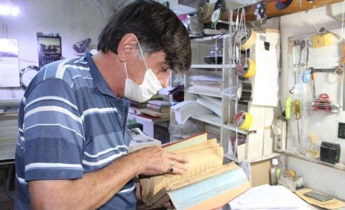 Aşınmış kitaplara 43 yıldır hayat veriyor