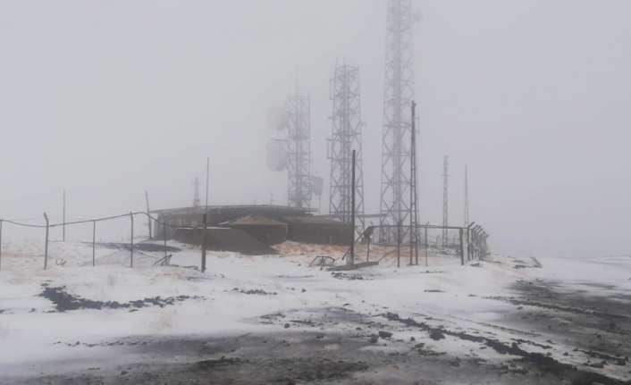 Erzincan'ın yüksek kesimleri kardan beyaza büründü
