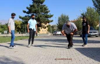 """Unutulmaya yüz tutmuş """"Aşık Oyunu"""" Erzincan'da hayat buldu"""