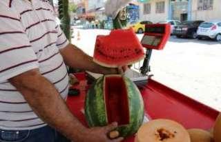 Bunaltıcı sıcaklar vatandaşı sulu meyvelere yönlendirdi