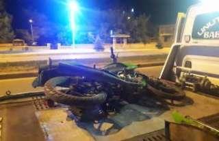 Kaza yapan motosiklet sürücüsü kaçtı