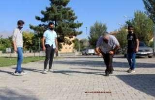 """Unutulmaya yüz tutmuş """"Aşık Oyunu"""" Erzincan'da..."""
