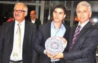 Genç Başkan Subaşı,  İASKF Seçiminde Ali Düşmez'i destekliyoruz