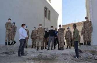Kaymakam Kaykaç, Altınbaş ile Jandarma Komando Tabur Komutanlığında incelemede bulundu