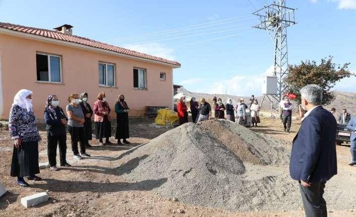 Vali Makas, Refahiye'nin köylerinde incelemede bulundu