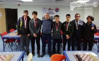 Satrancın Şampiyonları Antalya Yolunda
