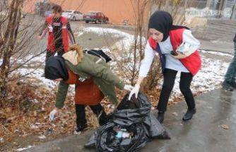 Çevre Temizliği Yaptılar,  Çöp Topladılar
