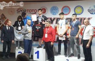 KICKBOKS 'ta Erzincanlı Sporcudan Büyük Başarı