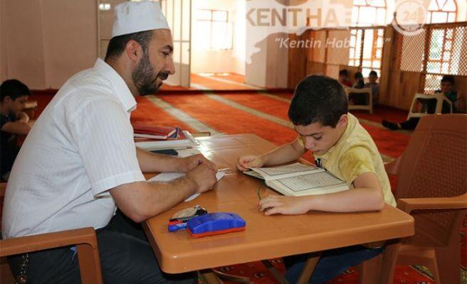 Camiler Çocuk Dolsun, Ahlâkı Kur'an Olsun