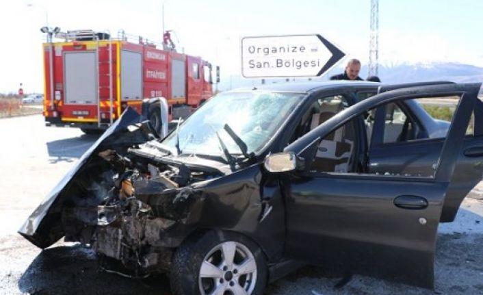 Erzincan'da Kaza, 3 Yaralı